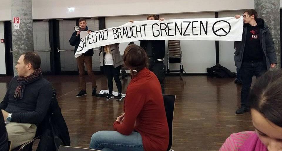 Störaktion der Identitären Bewegung Salzburg (Bild: Tarik Mete)
